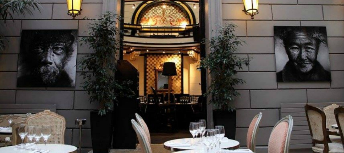 Terrace of le Dôme du Marais restaurant and bar decoration