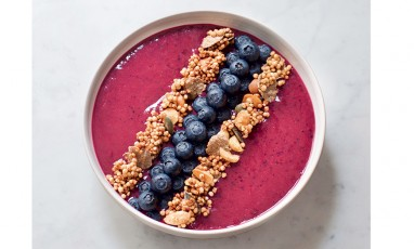 Presentation smooothie bowl