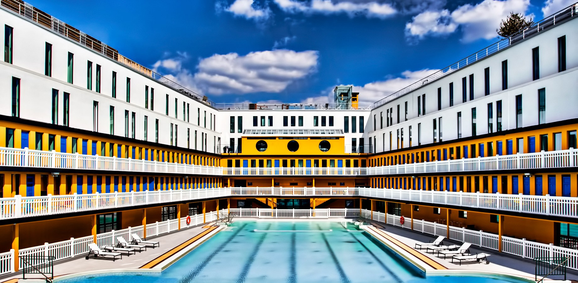 le top des plus jolies piscines en plein paris