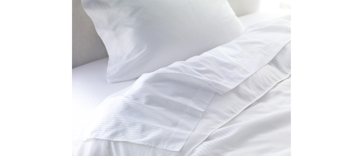 placement du lit pour bien dormir quelle position du lit pour bien dormir art de bien chambre. Black Bedroom Furniture Sets. Home Design Ideas