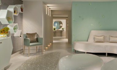 Spa Valmont for Le Meurice