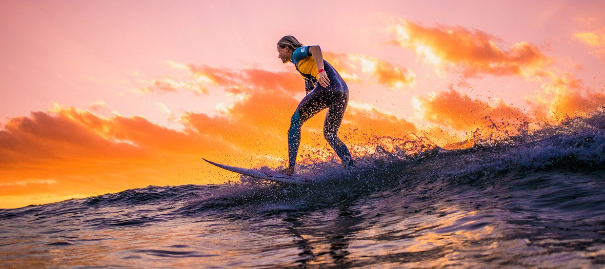 sunset surf pauline ado championne du monde