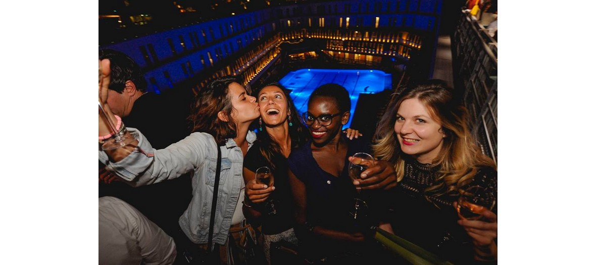 girls party at molitor pool rooftop