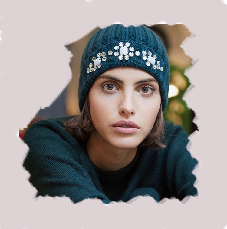Bonnet bijou en laine et strass