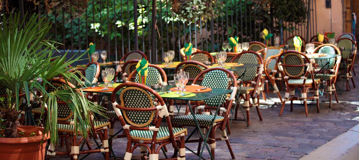 Les terrasses parisiennes qui font le printemps for Les terrasses parisiennes