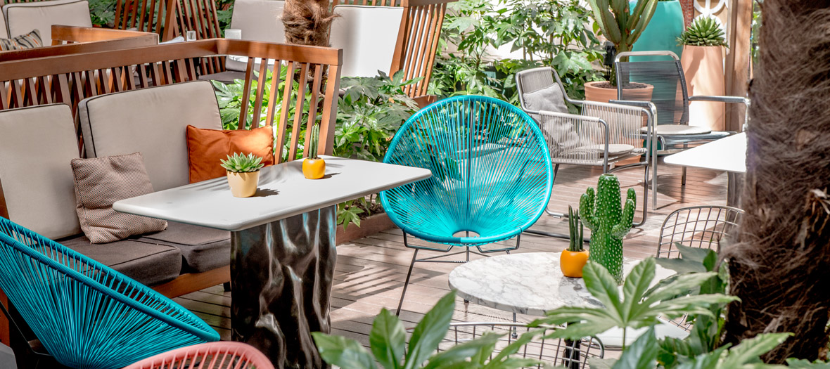 A Palm Springs terrace at the Prince de Galles