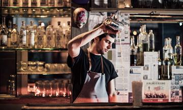 Un bar clandé pour flirter