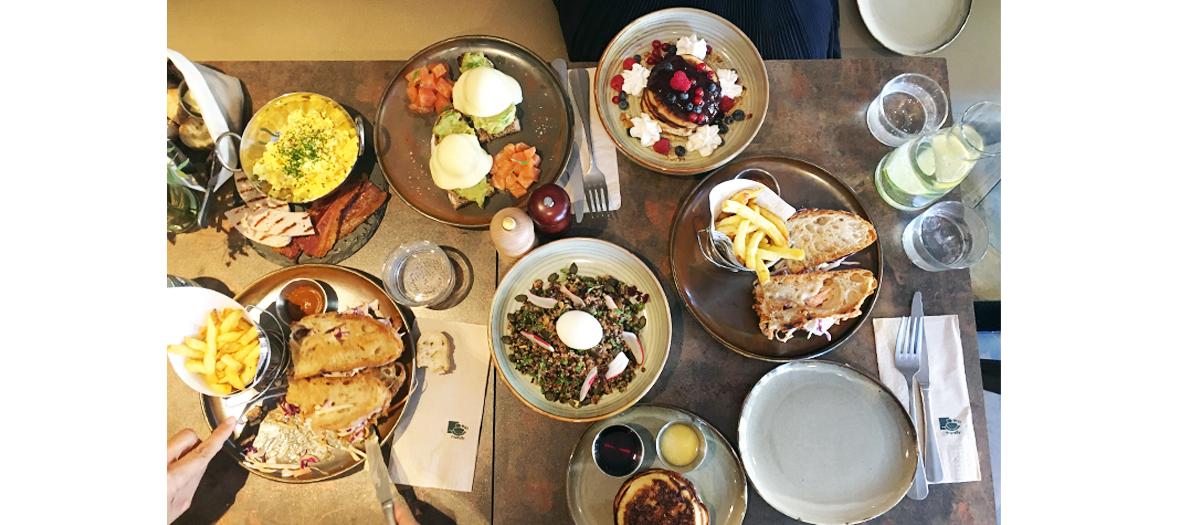 œufs Benedict,  avocado toast, pancakes, oeufs brouillés, bacon, brunch de forty six and third
