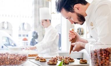 Cédric Grolet ouvre La Pâtisserie du Meurice