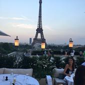 La terrasse du restaurant Girafe à Paris