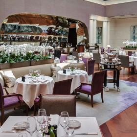Dining room of the Park Hyatt Neo Bistrot Sens in Paris