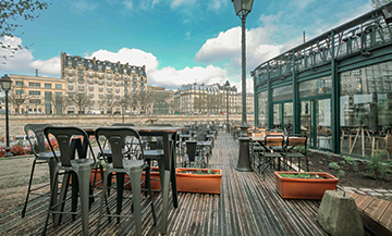 A hidden waterfront terrace near Bastille