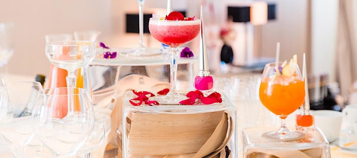 Nail et cocktail bar de Louboutin au Mandarin Oriental