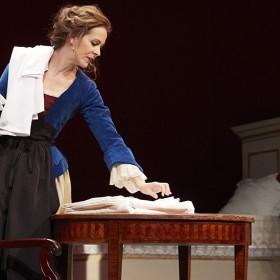 piece de theatre girl power a la Comedie Francaise