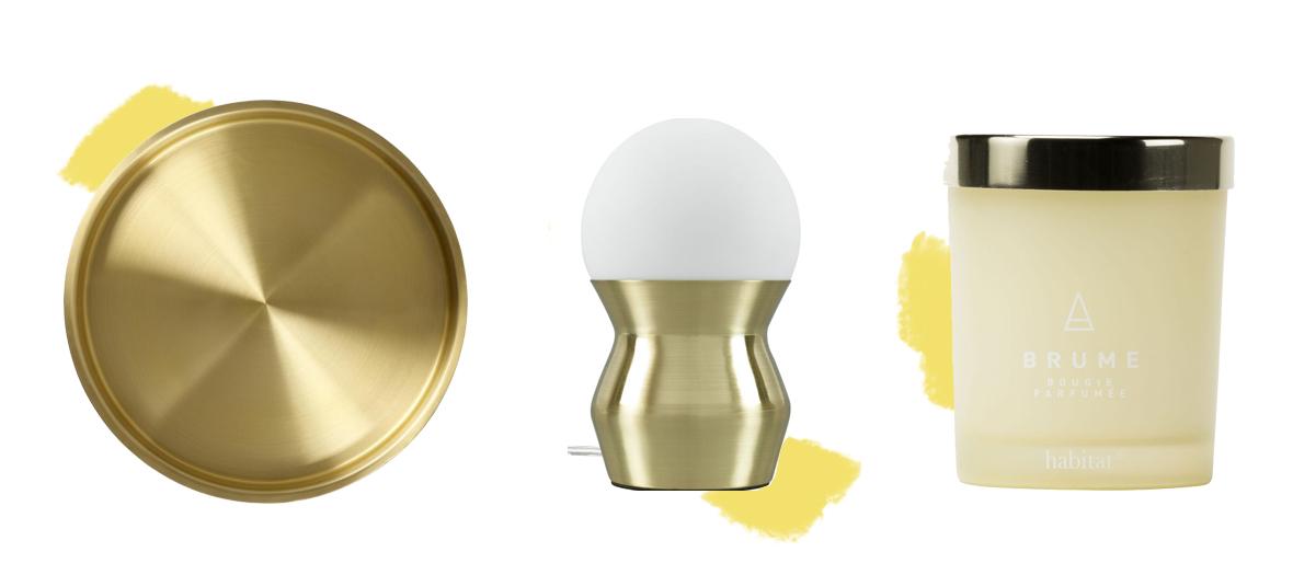 plateau rond en inox doré, mini lampe en verre et socle cuivré et bougie senteur Brume