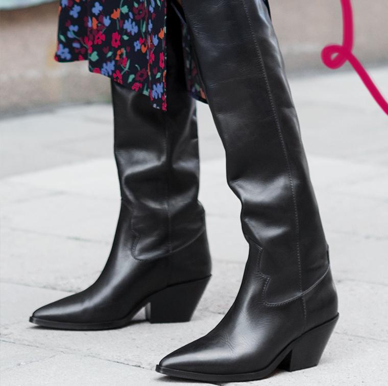Bottes western hautes en cuir noir