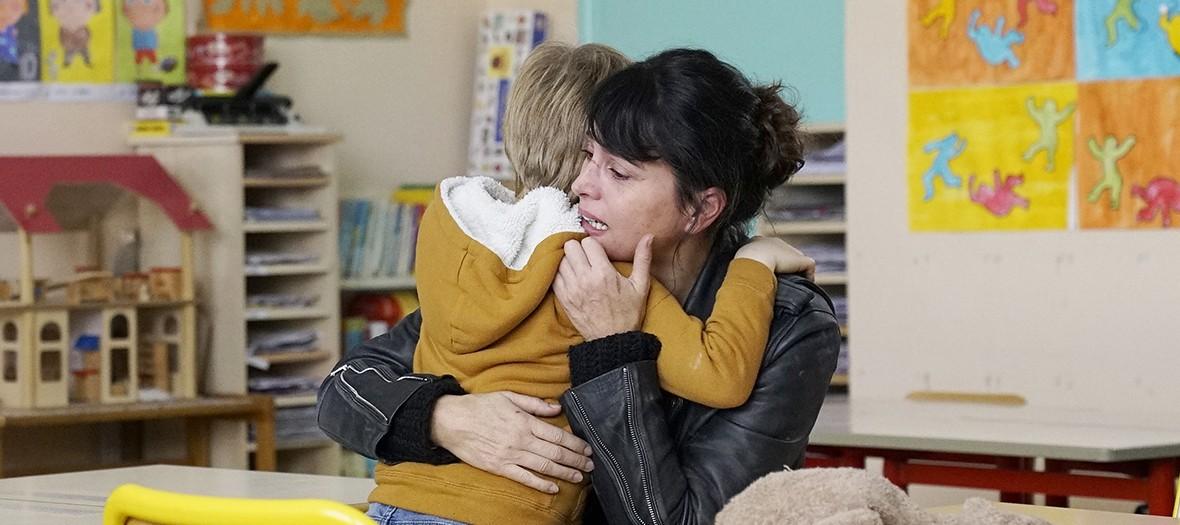 Série française avec Anne Charrier