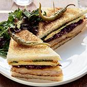 presentation du club sandwich Tonkatsu du cafe Panache des soeurs Levha
