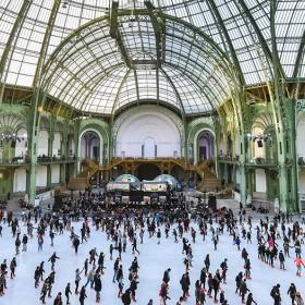 Patinoire geante au Grand Palais a Paris