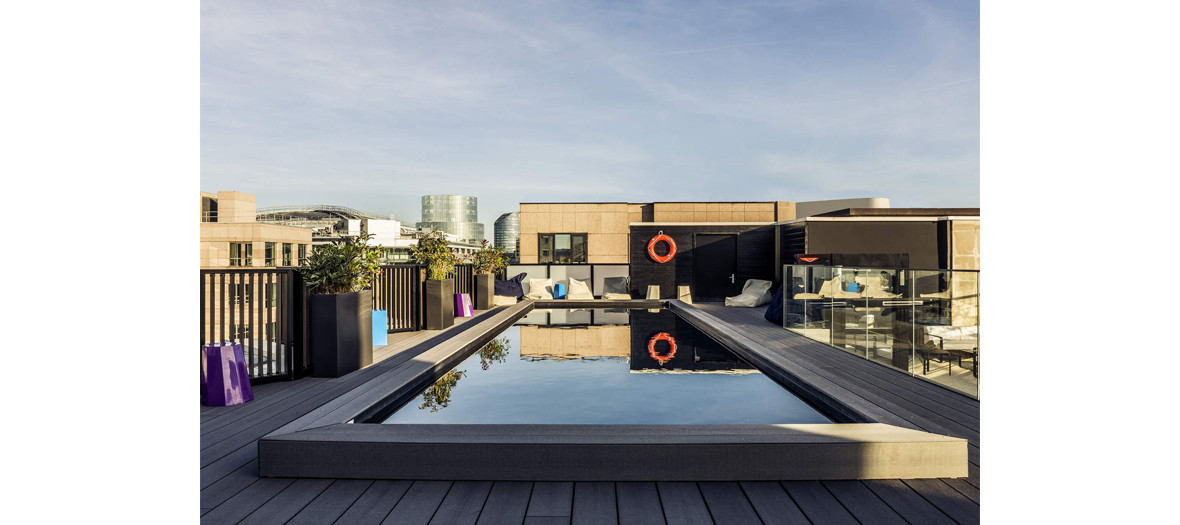 Hanging Out On A Rooftop Pool Mercure Paris Boulogne