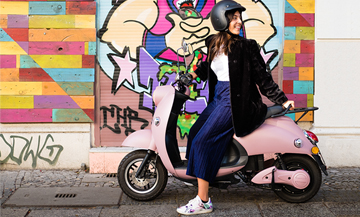 Why the electric scooter is the new fad of Parisiennes ?