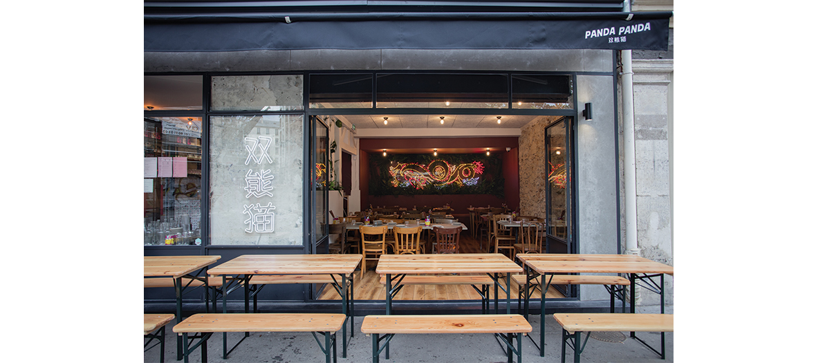 Façade et terrasse du restaurant chinois panda panda à Belleville à Paris