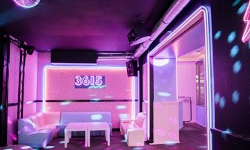 80's atmosphere at the 3615 ephemeral bar in Paris