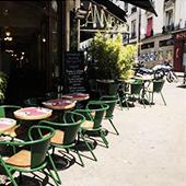 Bouillabaisse et terrasse du Cannibale café à Belleville Paris