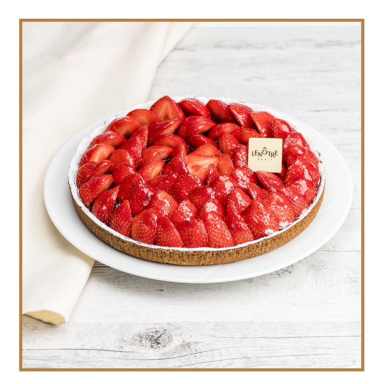 Strawberry pie with cream of almond shortbread crust and fresh seasoned strawberries from Lenôtre in Paris