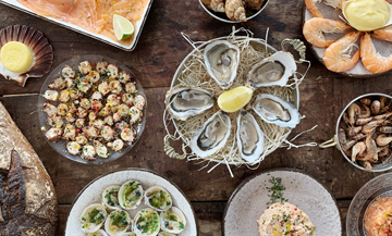 Le bar à fruits de mer le plus cool de Dinard s'installe à Paris