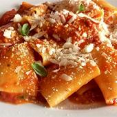 Cuisine et maccheroni au pesto et tomates séchées de Mimi cave à manger