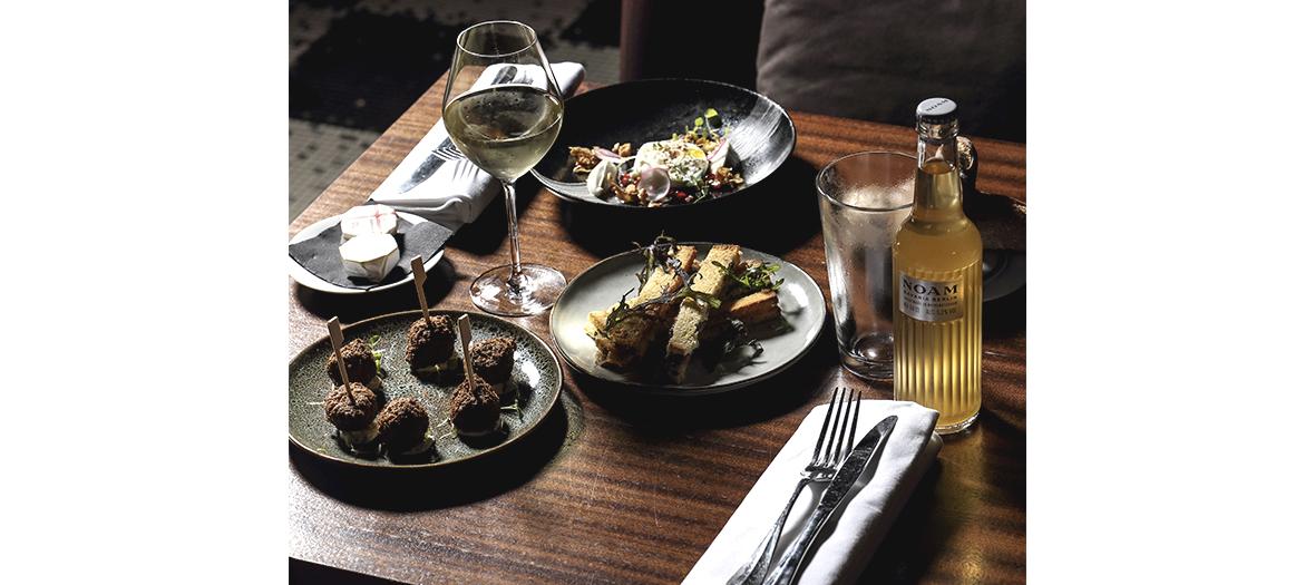 Plats de poulpe grillé au manioc, de noix de Saint-Jacques snackées et de choux fleur graffiti braisés du chef Bruno Grossi