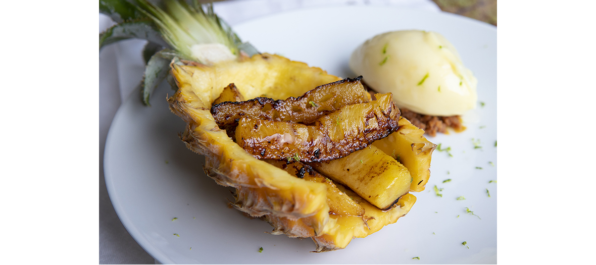 grilled pineapple dish from au__top restaurant in Paris