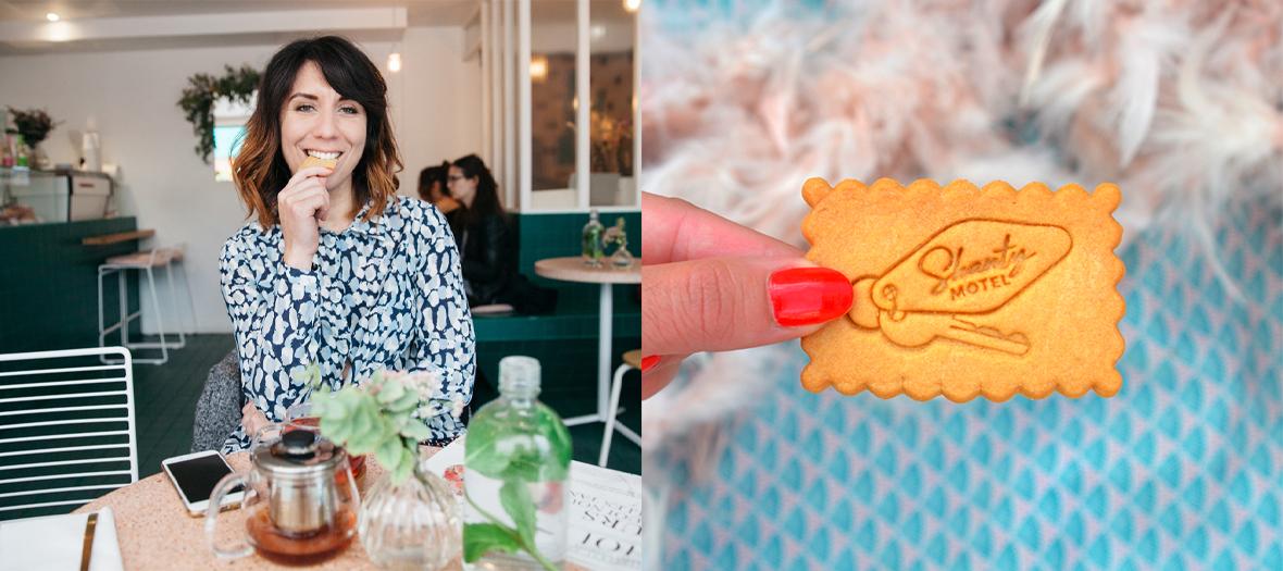 Shanty Baehrel mangeant un Biscuit Personnalisé au pop-up store en plein cœur du Marais à Paris