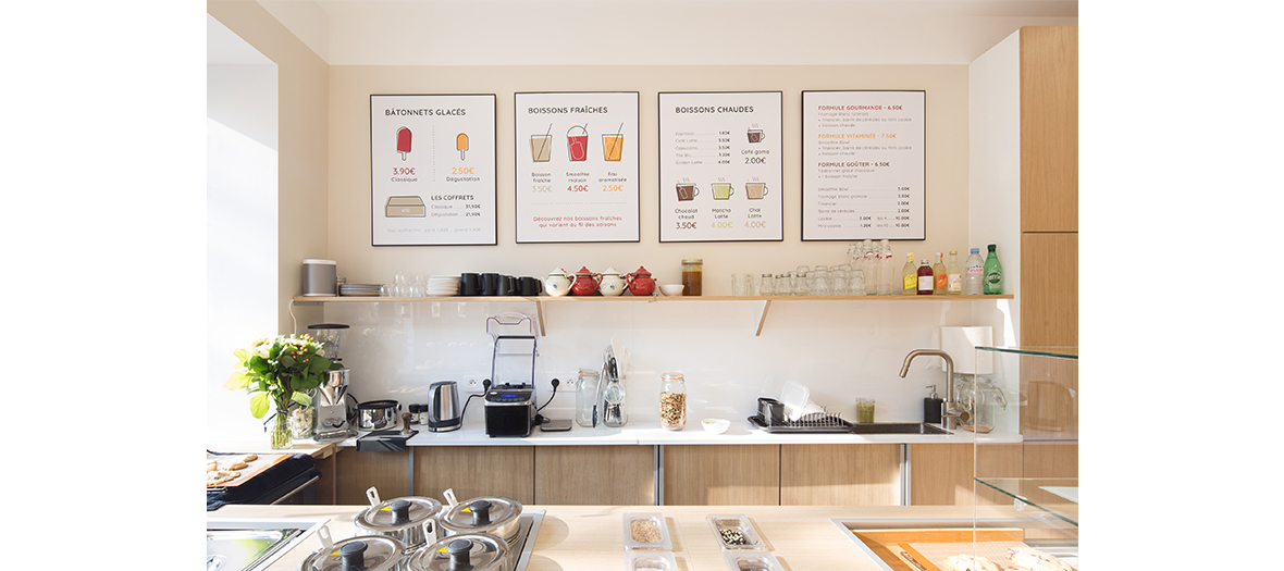 Healthy and gluten-free ice cream, frozen sticks, cool and hot drinks in Paris
