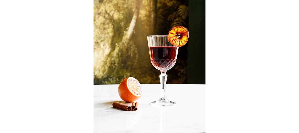 Cocktail à base de rhum arrangé et de fruit braisées, fumés ou rôtis