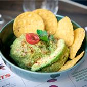 Restaurant latino dans le Sentier, guacamole avec chips