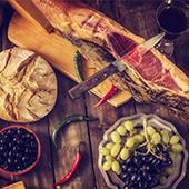 jambon ibérique, raisin, olive, Pain, Fromage
