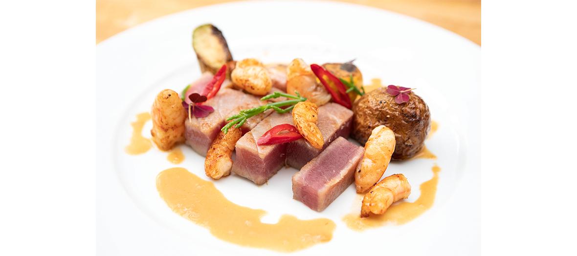 Flan dish of Paris mushrooms, roasted cod, prune tartlets