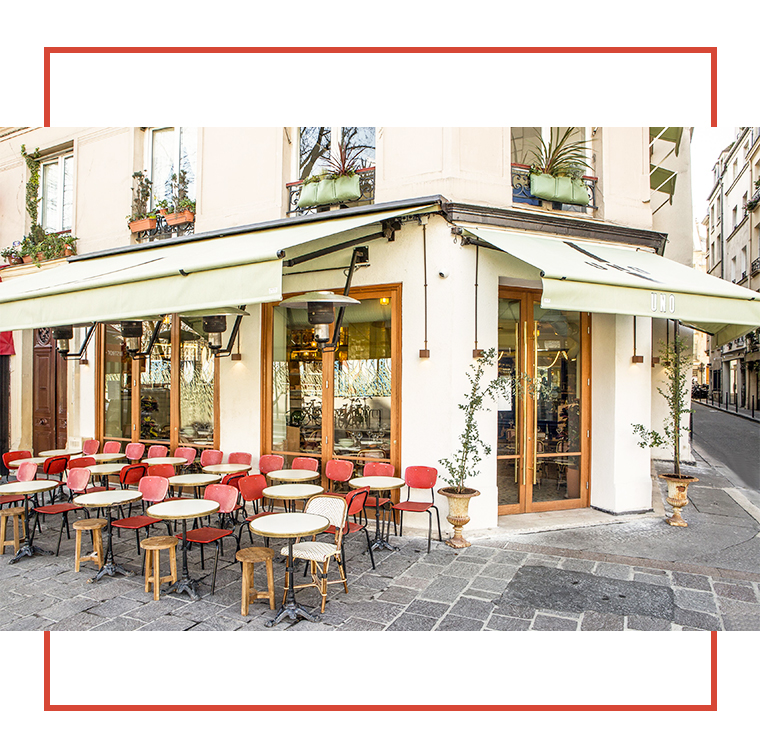 Terrace of the italian bistrot uno in the 1st district in Paris