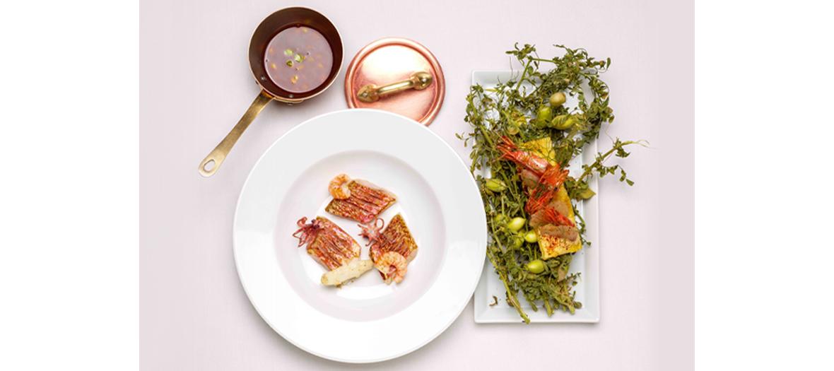 Rougets avec chipiron et gambas et soupe de poisson
