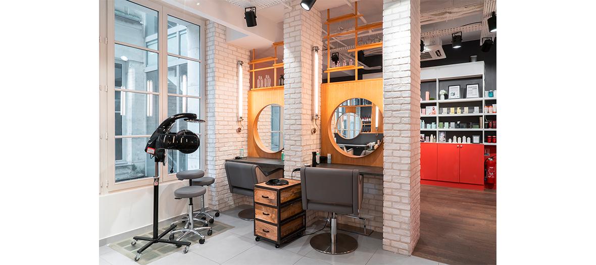 Décoration et Ambiance intérieur de l'institut de beauté Le 4 maison de Coiffure
