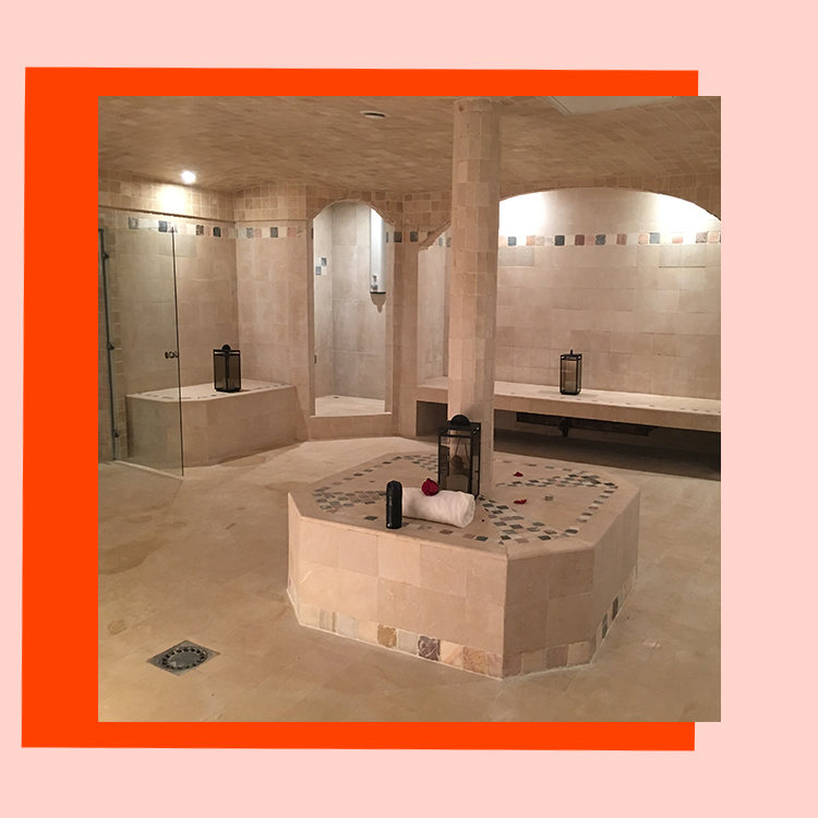 Spa mythique, hammam traditionnel, restaurant mediterraneen, salon de coiffure