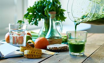 La therapie de detox avec fruit de saison, légumes crus, huile d'olive extra vierge, vinaigre de pomme, jus de citron du Coach Henri Chenot