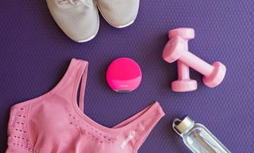 Foreo Glow with accessories