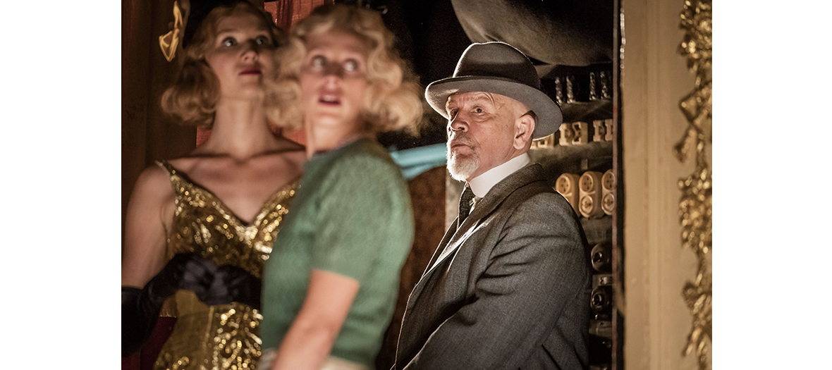 John Malkovich dans le rôle d'Hercule Poirot