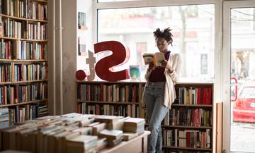 Une librairie magique dans le Marais :  pop-up Täschen