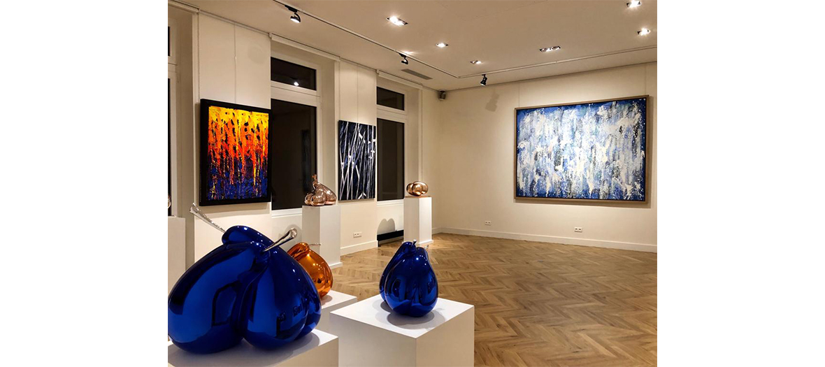 Interior decoration of the NAG gallery with the works of JonOne