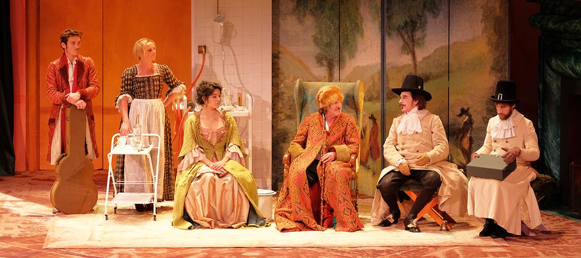 Daniel Auteuil jouant Argan dans le Malade Imaginaire au théatre de Paris