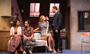Les acteurs Loïc Legendre, Marie Fugain, Arnaud Gidoin, Juliette Meyniac dans la replique de Fred Proust